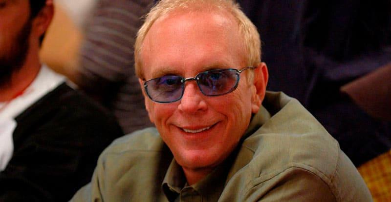 Чип Риз был обыгран Арчи Карасом в покер