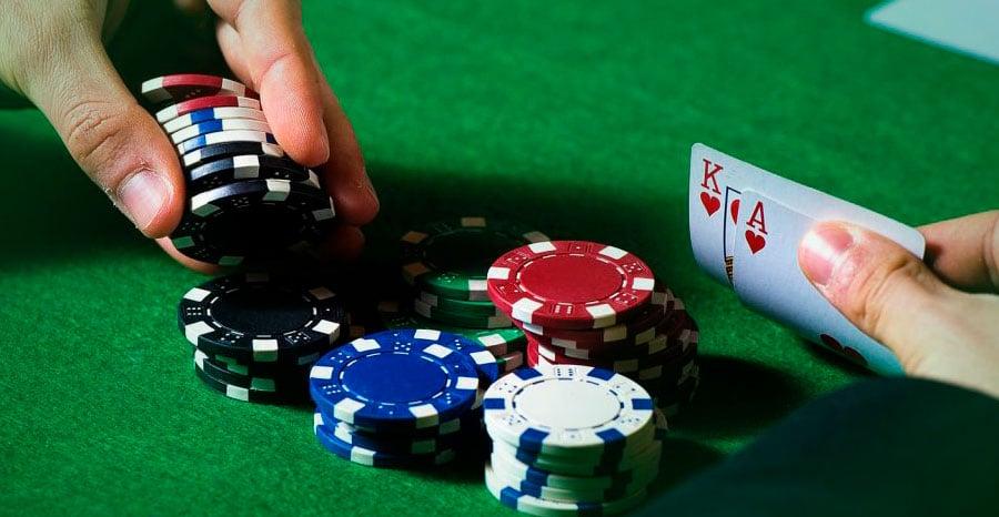 Сквиз в покере – оружие победы при игре на деньги